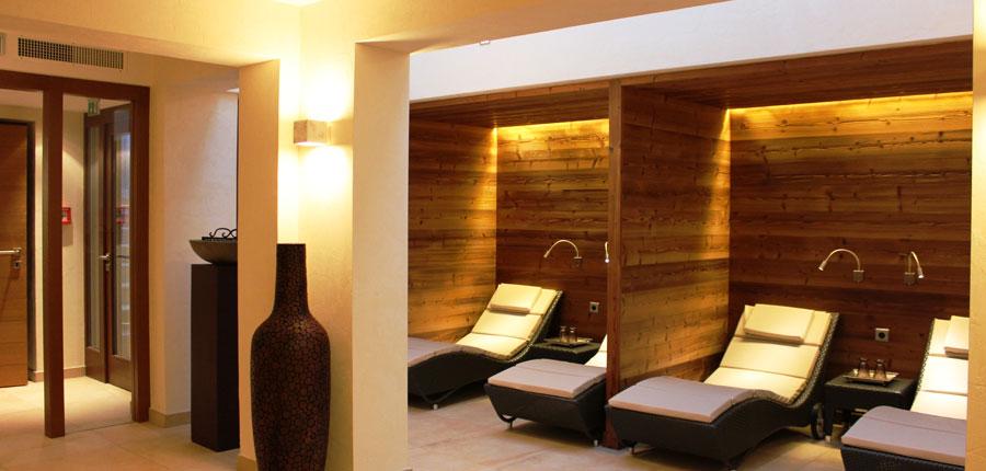 Hotel Haldenhof, Lech, Austria - Relaxation area.jpg